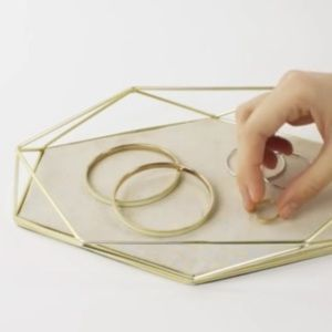UMBRA geometric jewelry tray